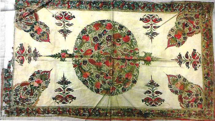 Centre Medallion Composition in Kalamkari Tray Covers